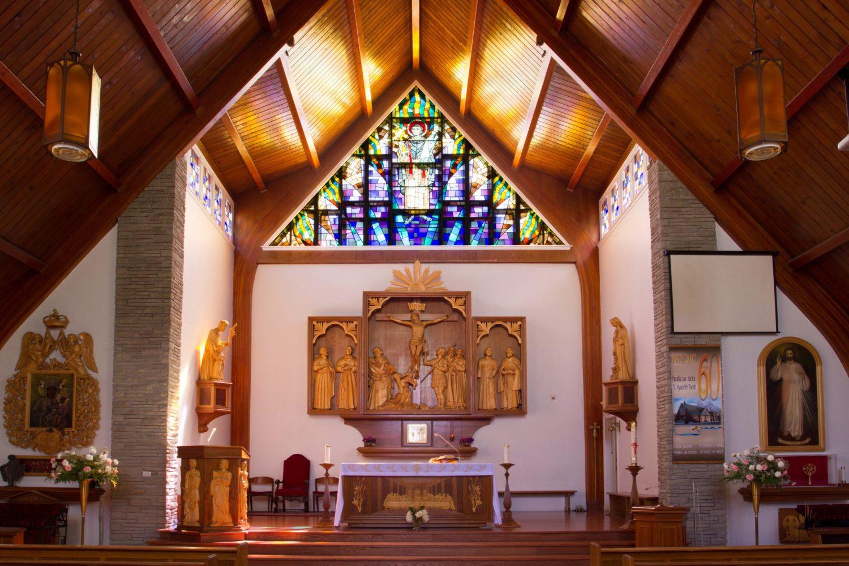 Msze Święte z udziałem wiernych w kościele Świętego Jacka