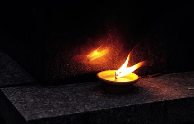Modlitwy na cmentarzach
